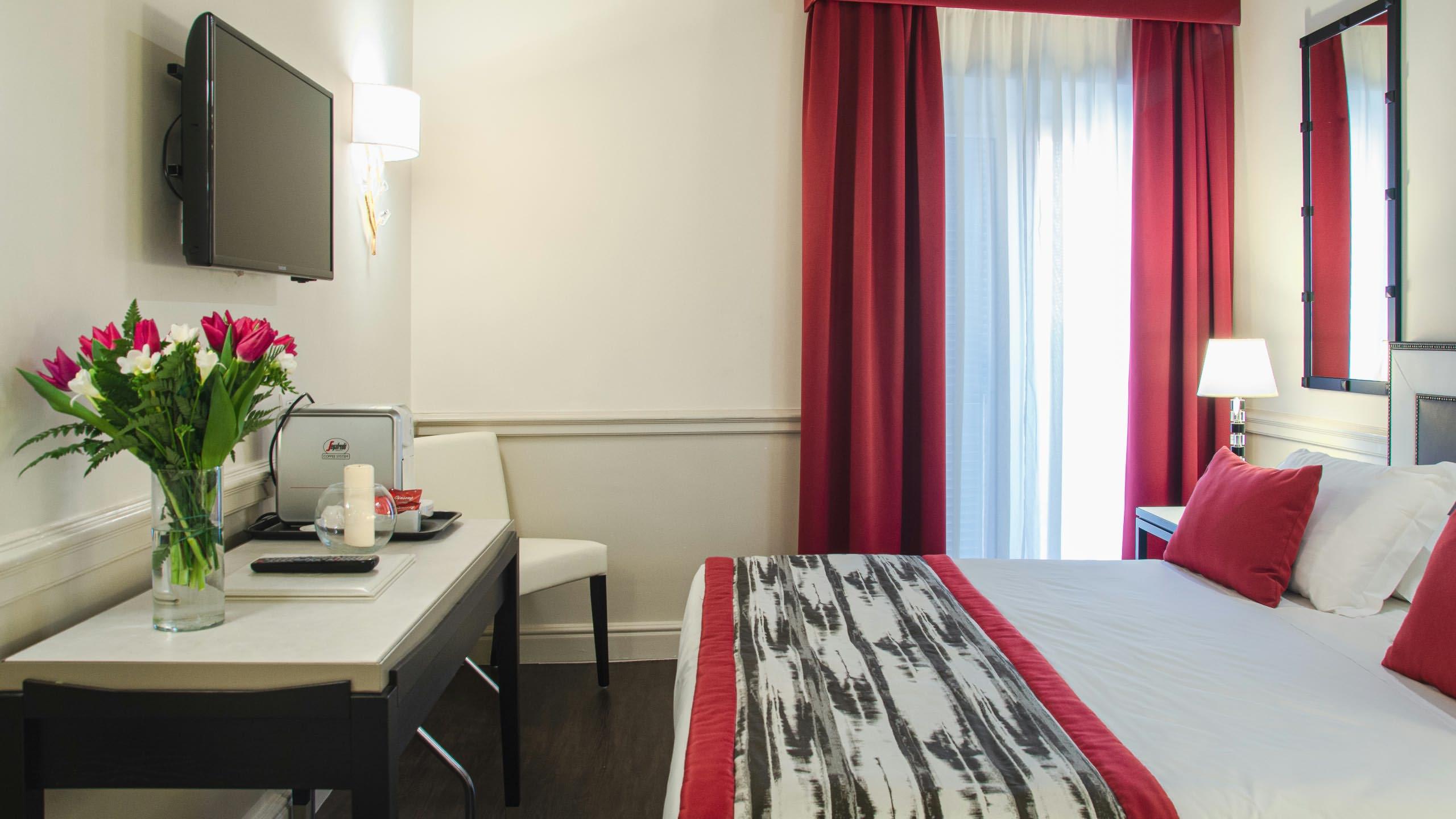HOTEL-CHIOLO-ZIO-PEPPE.jpg