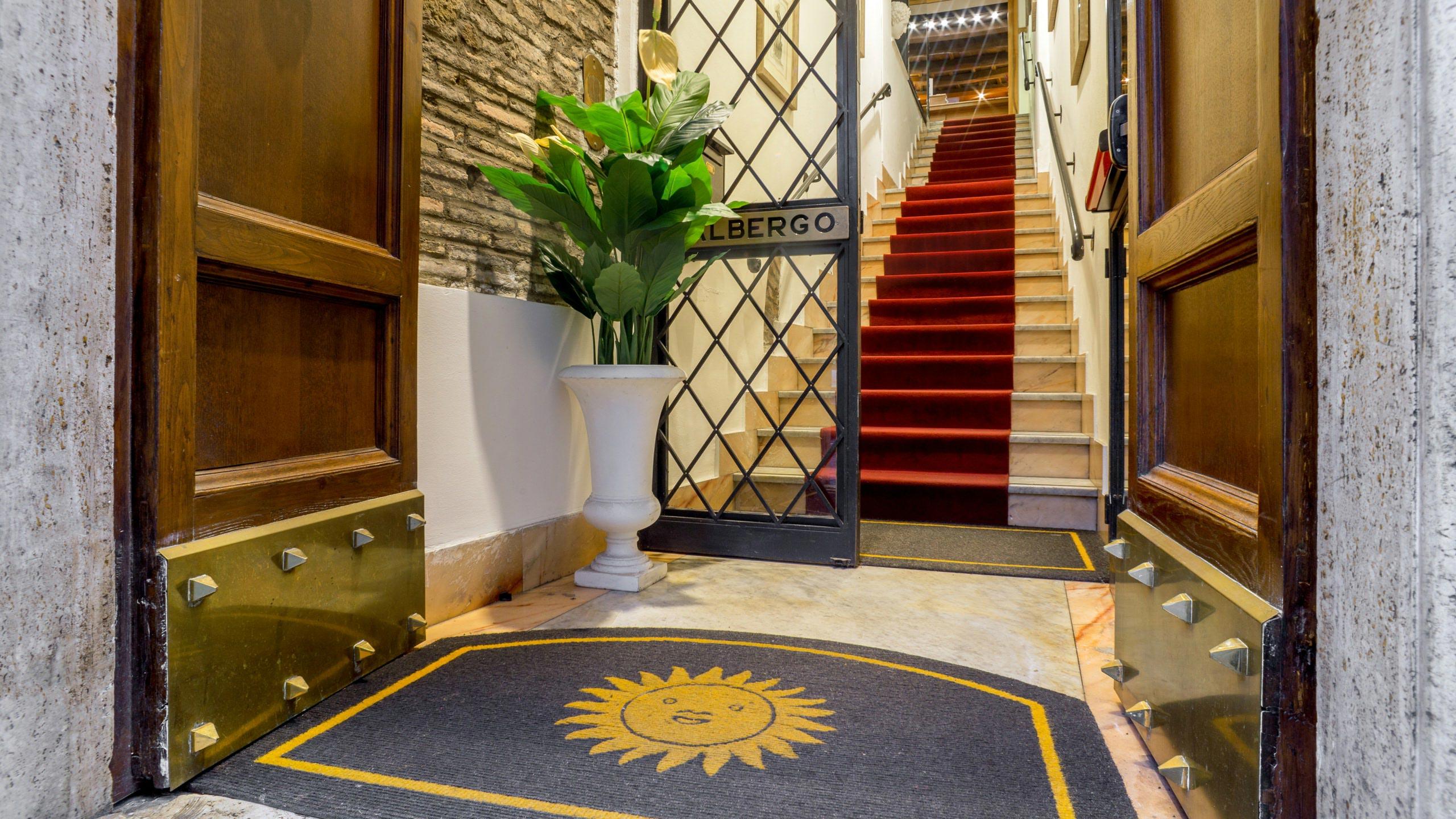 hotel-sole-roma-esterna03