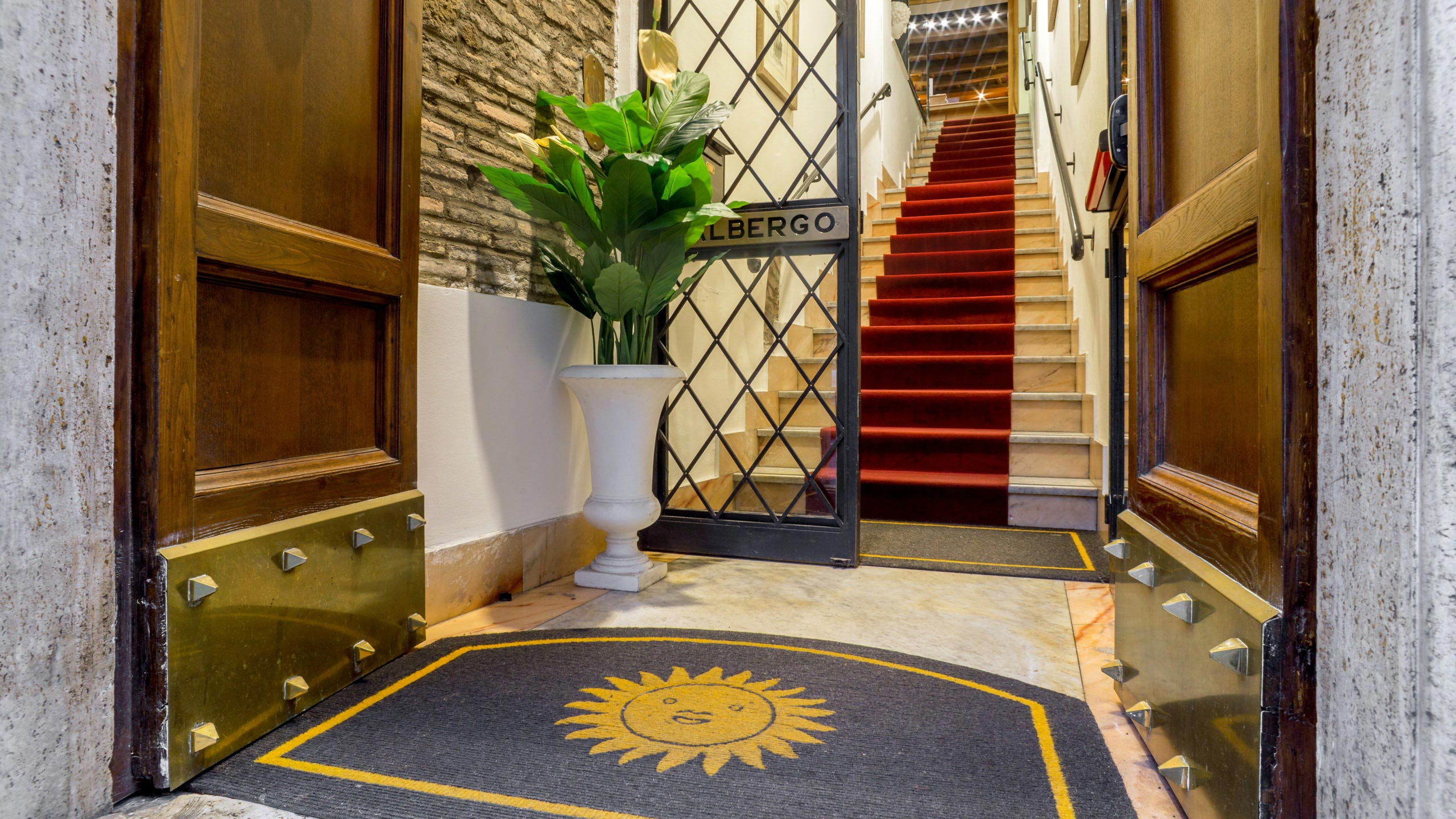 hotel-sole-roma-externo03