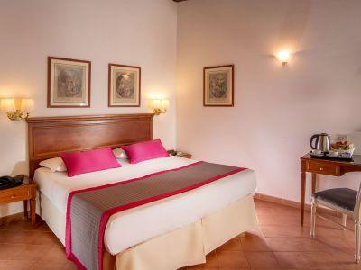 hotel-sole-roma-habitacion05